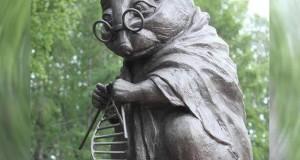 Rusya'da DNA Çalışmaları için kullanılan farelere ithafen yapılan bir heykel